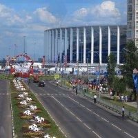 К стадиону :: Татьяна Ломтева