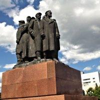 Борцам Морозовской стачке :: Фиклеев Александр