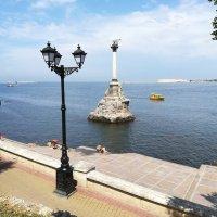 Севастополь.Памятник затопленным кораблям :: Владимир Прокофьев