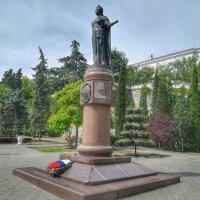Памятник Императрице Екатерине Великой :: Владимир Прокофьев