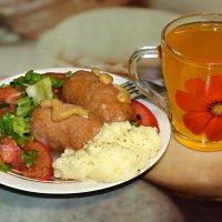 Скромный обеденный сосисон..:) :: Андрей Заломленков
