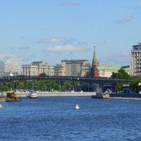 Городской пейзаж :: Татьяна Лобанова