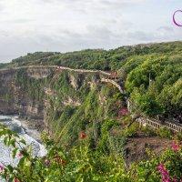дорога к храму Улувату. о.Бали :: seseg Seseg