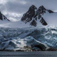 островок перед ледником :: Георгий А
