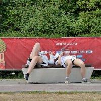 Не только футболисты устают. :: Евгений М