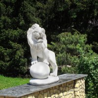 Скульптура льва :: Александр Борисович