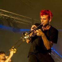 Сосед играет на трубе... :: Владимир Хиль