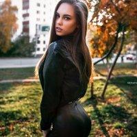 Девушка на закате осенью :: Lenar Abdrakhmanov