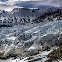 подъём вдоль ледника :: Георгий А