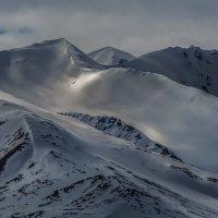 снежные горы о. шпицберген летом :: Георгий А