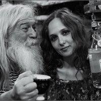 Радость встречи с хозяйкой куклы. :: Николай Кондаков