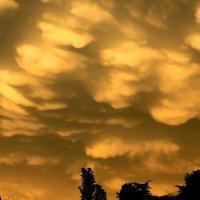 Необычные облака :: valeriy khlopunov