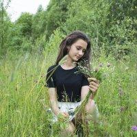 В поле :: Светлана Бурлина