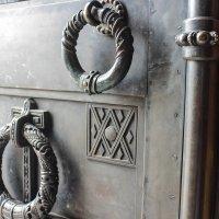 двери храма :: Nika Polskaya