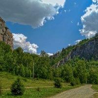 Дорога в Мурадымовское ущелье. :: Elena Izotova