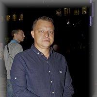 Мужчина с гвоздикой :: Дмитрий Переяслов