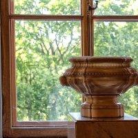 У окна Гатчинского дворца (4) :: Nina Karyuk