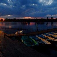 Закат на лодочной станции :: Алексей Афанасьев