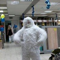 Встретить снежного человека в магазине? Легко!) :: Галина Бобкина