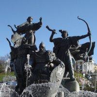 Памятник-фонтан основателям Киева :: Тамара Бедай