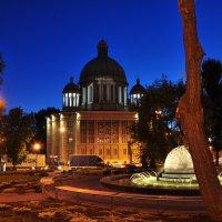 Площадь Солидарности ночью :: Александр Матвеев