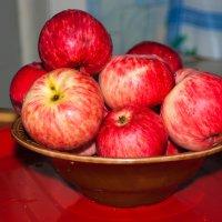 Райские яблоки :: Артур Рыжаков
