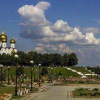 Вид со стрелки в Ярославле :: Aleksey Donskov