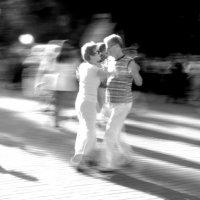 в ритме уличного вальса :: Сергей Корзенников