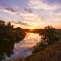Закат на реке :: Дмитрий Симонов