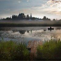 На речку Каменка упал туман. :: Виктор Перякин