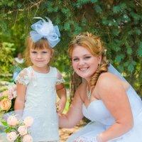 Наталья и будущая маленькая невеста :: Katya Briz