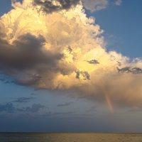 Облако над морем :: Константин Бобинский