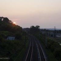 Железная дорога в лучах заката :: Андрей Мирошниченко