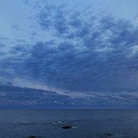 ранним утром у моря :: valeriy g_g