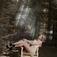 Модель в лесу :: Татьяна