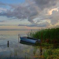 Лодка на озере :: Olcen Len