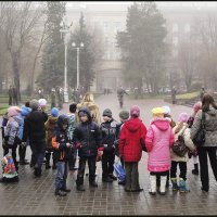 Дети около вечного огня. :: Юрий ГУКОВЪ