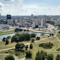 Панорамный вид на парк, реку Свислочь и проспект Победителей, г. Минск :: Tamara *