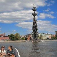 Памятник «В ознаменование 300-летия российского флота» был воздвигнут в 1977году. :: Татьяна Помогалова