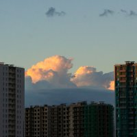Вечерние облака над новостройками. :: Александр Горячев
