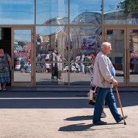 Жизнь в зазеркалье :: Константин Чебыкин