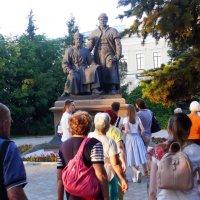 Памятник зодчим Казанского Кремля :: Александр Алексеев