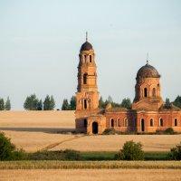 Одинокая церковь :: Владимир Новиков