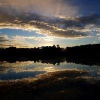 Небо в озере купалось на закате дня... :: Ольга Русанова (olg-rusanowa2010)