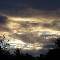 Вечернее небо перед дождем :: Наиля