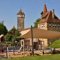 Детская  площадка в  сказочном  городе  Ротенбурге на Таубере :: backareva.irina Бакарева