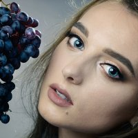 Девушка и виноград :: Вячеслав Владимирович