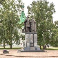 Нижний Новгород.Кремль. Памятник основателю города. :: Виктор Орехов