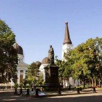 Св. князь М.С.Воронцов на фоне Спасо-Преображенского собора :: Александр Корчемный
