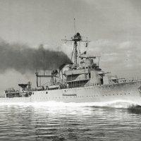 "Kruiser ""Hr.Ms. Tromp"".tijdens snelheidsmetingen in april 1938. :: Александр"